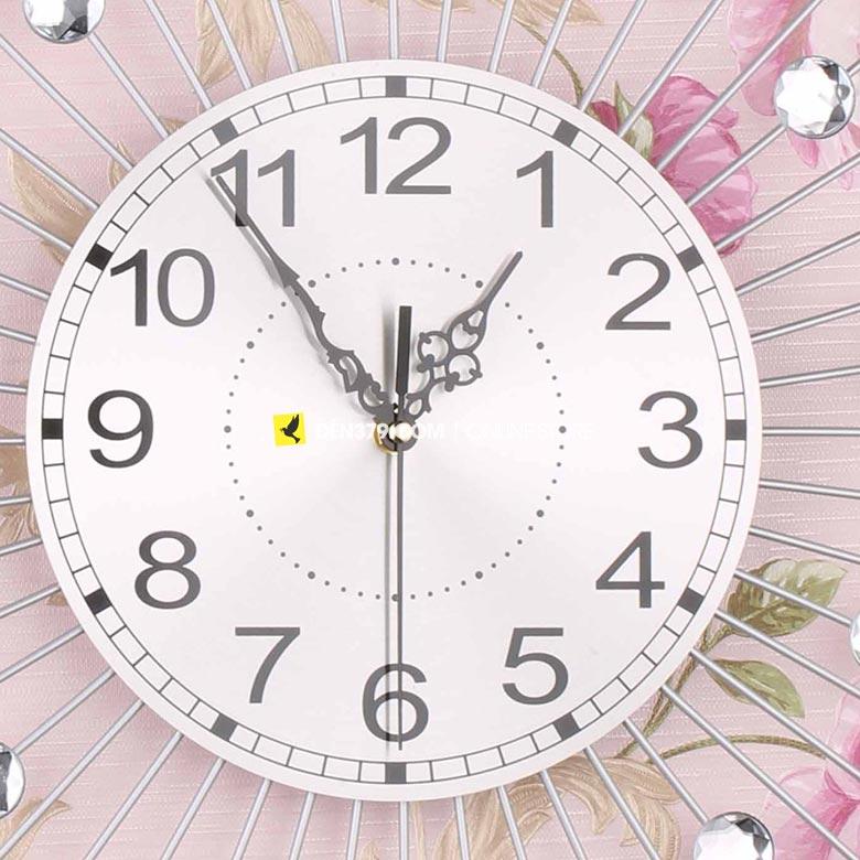 Đồng hồ trang trí gắn tường màu bạc hạt pha lê VIRGO VO-1903S