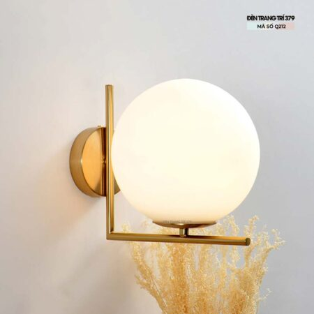 Đèn gắn tường trang trí quả cầu thủy tinh Q212