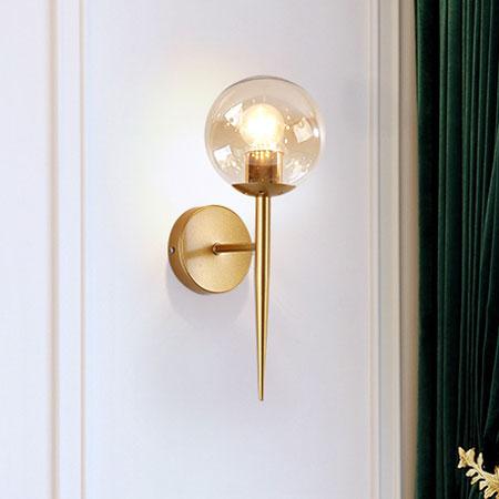Đèn gắn tường trang trí quả cầu thủy tinh Q220